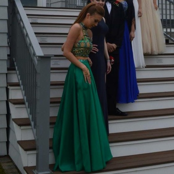 Sherri Hill Dresses | Aline Emerald Green Prom Dress | Poshmark